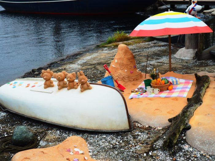 ケープコットの港のパラソルとダッフィーの砂のオブジェクト
