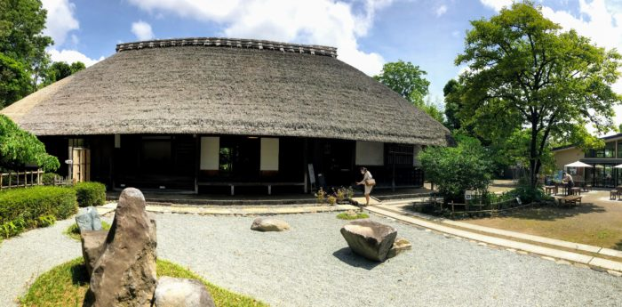 瀬戸屋敷の旧家で江戸時代の農村生活触れて、カフェでゆったり